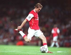 previous season matches/matches 2006 07 arsenal v fc porto/alex hleb scores arsenals 2nd goal