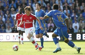 team/players coaches arshavin andrey/andrey arshavin arsenal noe pamarot portsmouth