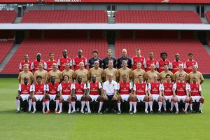 previous season players/1st team player images 2007 8/arsenal 1st team squad 2007 8 row left right