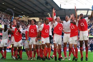 team/arsenal celebrate13 040425