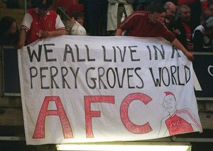 previous season matches/matches 2005 06 arsenal v southampton fa cup final/arsenal fans perry groves banner arsenal 10 southampton