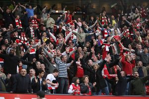 fans/arsenal fans stay stadium sing 25 minutes