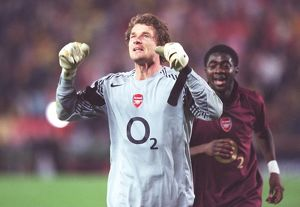 arsenal goalkeeperjens lehmann celebrates after match
