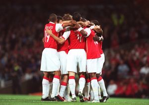 previous season matches/matches 2006 07 arsenal v fc porto/arsenal players celebrate 2nd goal scored alex
