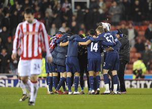 previous season matches/matches 2009 10 stoke city v arsenal 2009 10/arsenal players celebrate match stoke city 1