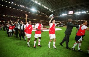 Arsenal players celebrate after the match. Arsenal 1:0 Southampton. The F