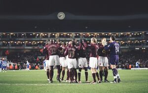 previous season matches/matches 2005 06 arsenal v wigan c cup/arsenal players prepare match arsenal 21 wigan