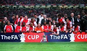 The Arsenal team with the FA Cup Trophy. Arsenal 1:0 Southampton. The F