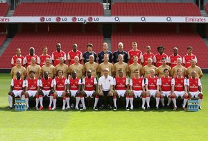 previous season players/1st team player images 2007 8/arsenal team group lucazade