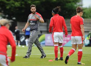 arsenal women/arsenal ladies v notts county wsl 10th july 2016/cairbre ocaireallain arsenal ladies fitness coach