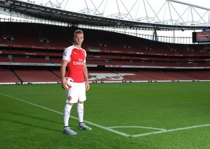 Calum Chambers (Arsenal). Arsenal 1st Team Photcall and Training Session. Emirates