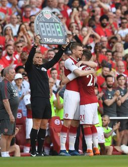 season 2017 18/arsenal v burnley 2017 18/calum chambers subbed mertesacker arsenal