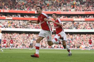team/players coaches fabregas cesc/cesc fabregas celebrates scoring 2nd arsenal goal