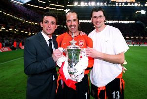 David Seaman, Guillaume Warmuz and Stuart Taylor (Arsenal) with the FA Cup Trophy