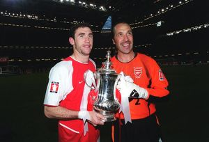 David Seaman and Martin Keown with the FA Cup after the match