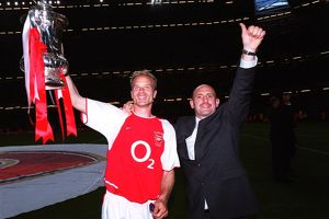Dennis Bergkamp and Tony Colbert (Arsenal) with the FA Cup Trophy