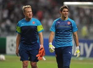 season 2014 15/besiktas v arsenal 2014 15/emi martinez arsenal gerry peyton arsenal