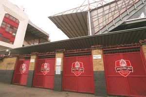 Final Salute Crests. Arsenal Stadium, Highbury, London, 22/11/05