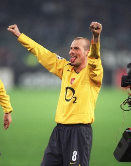 Freddie Ljungberg (Arsenal) celebrates at the final whistle