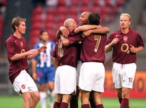Freddie Ljungberg is congratulated on his 1st goal. Arsenal 2:1 Porto