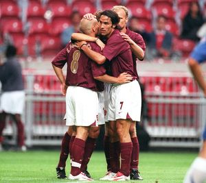 Freddie Ljungberg is congratulated on his 2nd goal. Arsenal 2:1 Porto