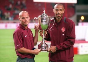 Freddie Ljungberg and Thierry Henry (Arsenal). Arsenal 2:1 Porto