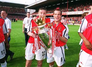 Fredrik Ljungberg and Oleg Luzhny with the F.A.Barclaycard Premiership Trophy
