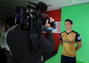 Hector Bellerin (Arsenal). Arsenal 1st Team Photocall and Training Session. Emirates