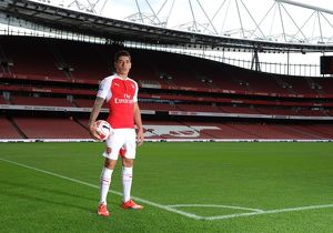 Hector Bellerin (Arsenal). Arsenal 1st Team Photcall and Training Session. Emirates