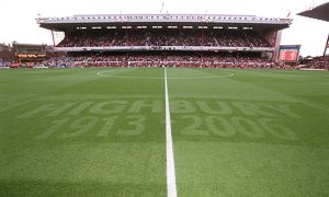 The Highbury (1913 - 2006) pitch markings. Arsenal 2:0 Newcastle United