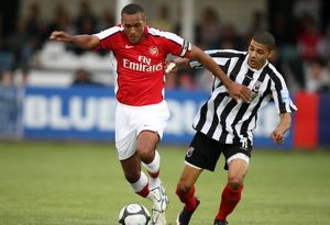 previous season matches/matches 2009 10 maidenhead united v arsenal 2009 10/jay simpson arsenal alex wall maidenhead