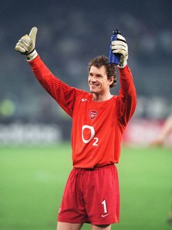 jens lehmann arsenal celebrates at the final whistle