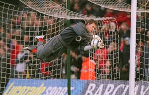 Jens Lehmann (Arsenal) warms up before the match. Fulham 0:4 Arsenal