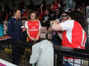arsenal women/arsenal ladies v notts county ladies 3rd/jodie taylor arsenal ladies meets fans