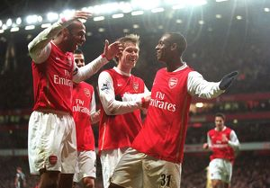 Justin Hoyte celebrates scoring Arsenal's 2nd goal with Thierry Henry and Alex Hleb