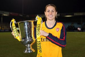 kelly smith arsenal with the league cup trophy