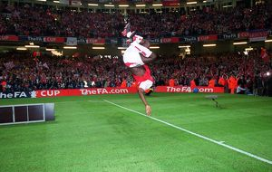 Kolo Toure does a back-flip after the match. Arsenal 1:0 Southampton. The F