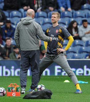 per mertesacker arsenal chats to steve bould