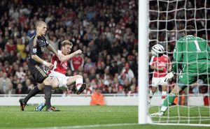 nicklas bendtner scores arsenals 2nd goal