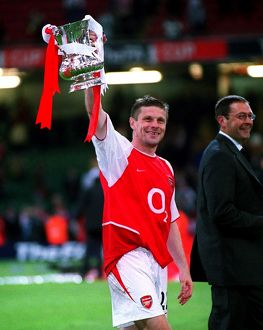 Oleg Luzhny (Arsenal) with the trophy at the end of the match