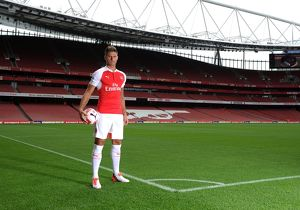 Olivier Giroud (Arsenal). Arsenal 1st Team Photcall and Training Session. Emirates