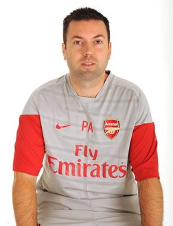 previous season players/1st team player images 2009 10/paul akers arsenal kit man