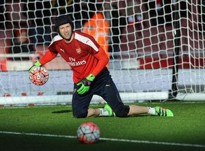 season 2015 16/arsenal v burnley fa cup 4th rd 2016/petr cech arsenal warms match arsenal 21 burnley