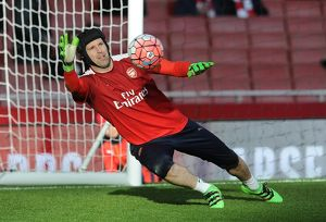 petr cech arsenal warms up before the match