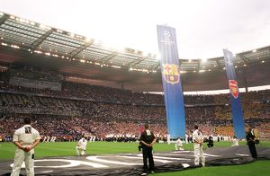 classic matches/barcelona v arsenal 2005 06/pre match ceremony