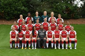 arsenal women/1st team photocall 2017/row l r beth mead vyan sampson sari van veenendaal