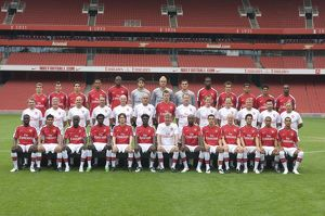 team/players coaches almunia manuel/row left right jack wilshere