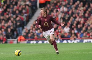 previous season matches/matches 2005 06 arsenal v bolton 2005 6/sebastian larsson arsenal arsenal 11 bolton