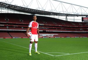 Theo Walcott (Arsenal). Arsenal 1st Team Photcall and Training Session. Emirates Stadium