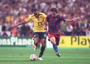 classic matches/barcelona v arsenal 2005 06/thierry henry arsenal carlos puyol barcelona